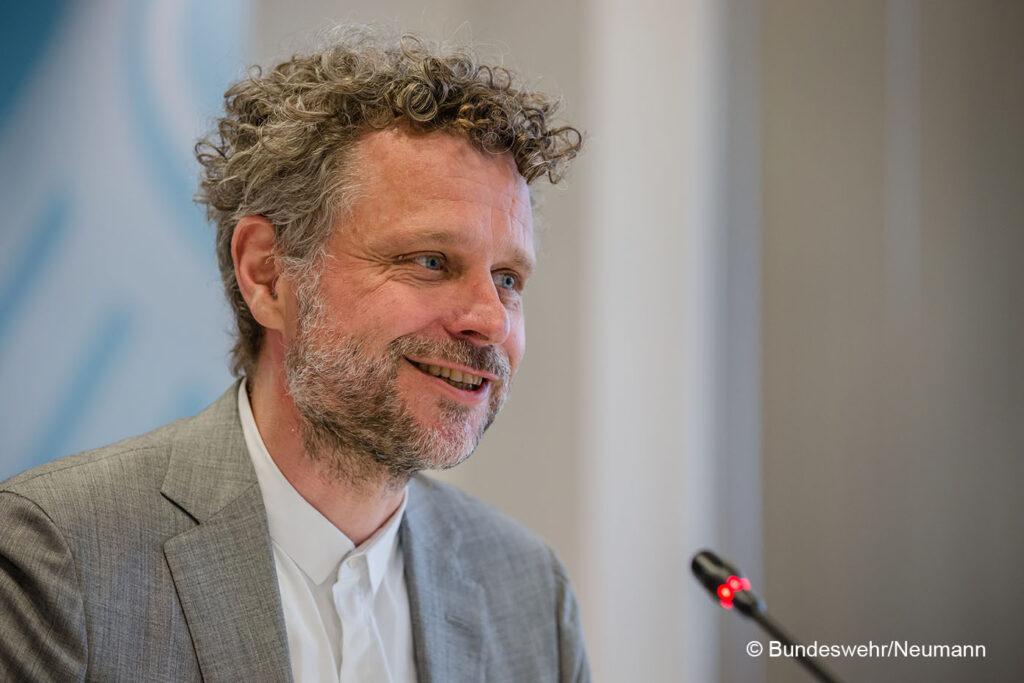 Moderator Jörn Straehler-Pohl