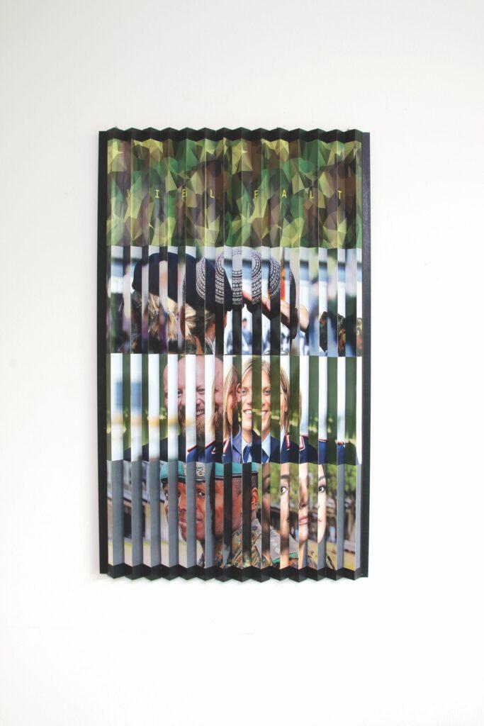 5. Preis. Ralf Illauer. Viel Falt!. Collage. 60 x 100 x 4 cm